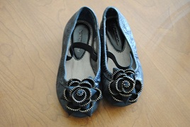 Different Sized Feet Shoe Exchange for Children and Adults with Hemiplegia or Stroke